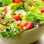 تهیه سالاد سبزیجات